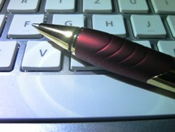 Cherry Tastatur mit sehr flachen Tasten